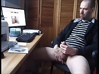 Jerking Hung Cock Watching Porn Pics