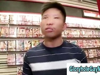 Real gay guy tricks straight guy in to giving him a blowjob