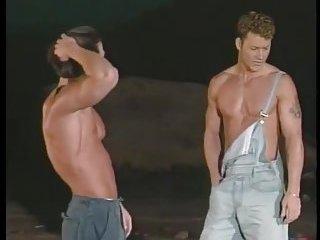 Hot Guys Blowing & Banging Outside