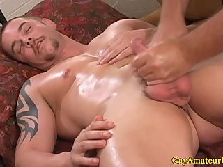 Crazy handjob for straight muscular guy