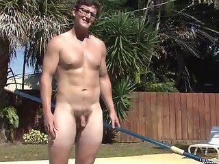 Beefy Guy Outdoor Wanking