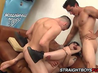 Two straight college boys in a 3way