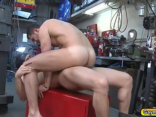 Body shop gay blowjob and anal fuck