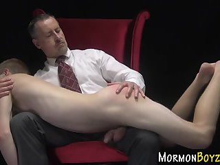 Mormon twink cums toyed